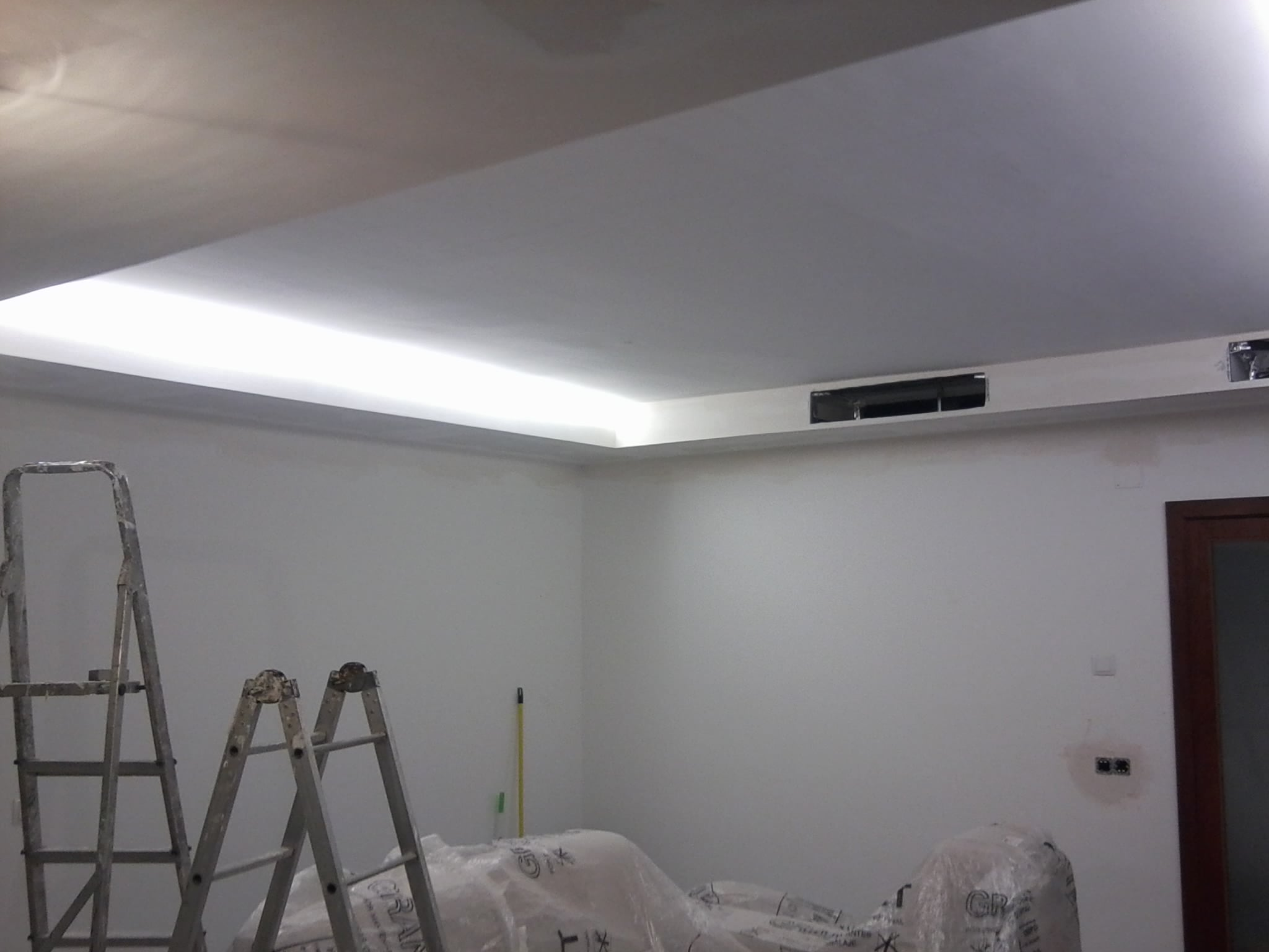 Plafond placo suspendu staff pinterest for Faux plafond translucide